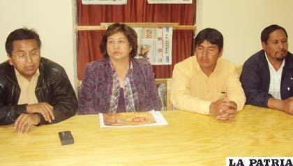 La adquisición del Satélite Túpac Katari es motivo de polémica en la sociedad boliviana