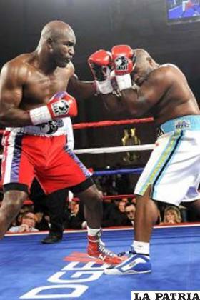 Holyfield  y Williams ofrecieron un combate de boxeo que nos gusto.