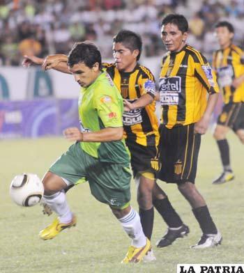 Oriente logró un difícil triunfo ante el Tigre por 3-2