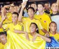 Jugadores de Colombia, festejan el título alcanzado en Santa Cruz.