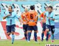 Minuto 20; Zé Carlos de Bolívar, celebra el único gol del partido ante Blooming. También aparece Rudy Cardozo y los jugadores de Blooming que están resignados.
