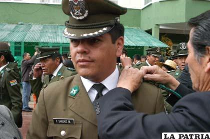 Más de 200 efectivos policiales fueron ascendieron de grado