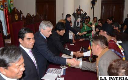 El presidente Evo Morales y el vicepresidente Álvaro García no irán a juicio por la represión a los indígenas del Territorio Indígena y Parque Nacional Isiboro Sécure