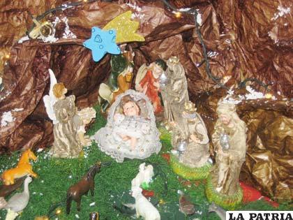 49ac3027f65 Creatividad y fe religiosa en armado de pesebres navideños