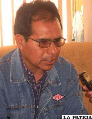 Gilmar Cruz, Jefe de zona comercial Oruro de YPFB