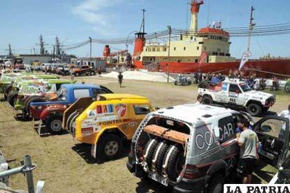Coches que intervienen en el Dakar 2012