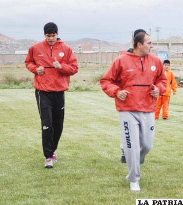 Lampe y Jáuregui jugadores de San José