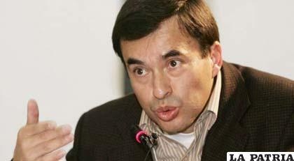 Juan Ramón Quintana, dice que no es malo ni ilegal que la ANP reciba financiamiento