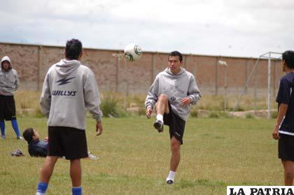 Palacios y Suárez en el entrenamiento de ayer