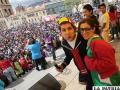 """Ataviados con indumentaria que caracterizan a personajes de la vecindad del Chavo, miles de bolivianos homenajearon a """"Chespirito"""""""