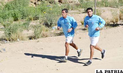 Roly Sejas e Ignacio García durante el entrenamiento de San José