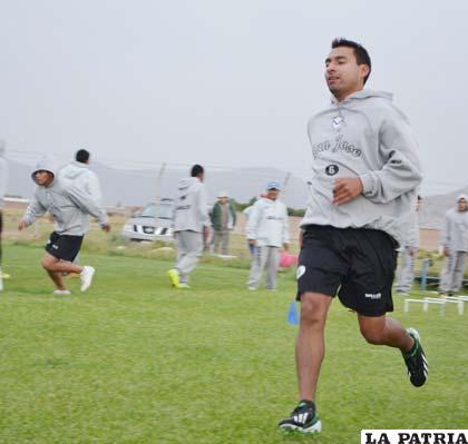 Mario Ovando estará en el equipo titular