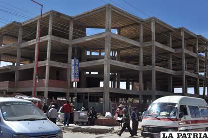 Obras iniciadas hace varios años para construir el edificio del Organismo Operativo de Tránsito
