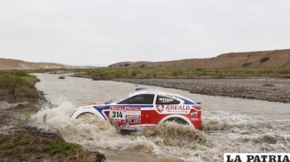 La crecida de los ríos provocó que la competencia se corte a los 83 kilómetros