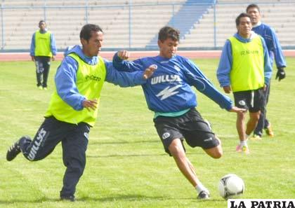 Marcelo Gomes comandará el mediocampo