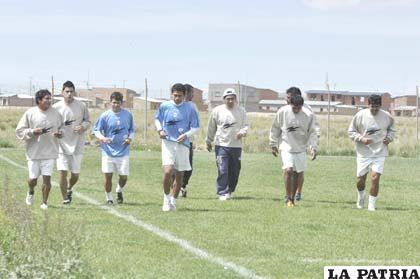 Los integrantes de San José reiniciaron el trabajo y hoy harán fútbol
