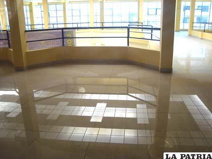 "Un sector del salón de eventos de Coteor convertido en ""pequeña piscina"