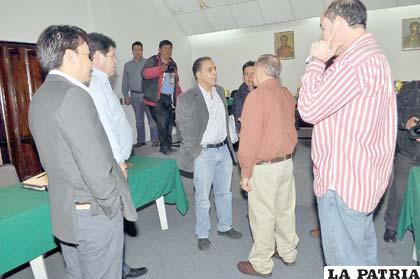 Dirigentes del fútbol liguero boliviano