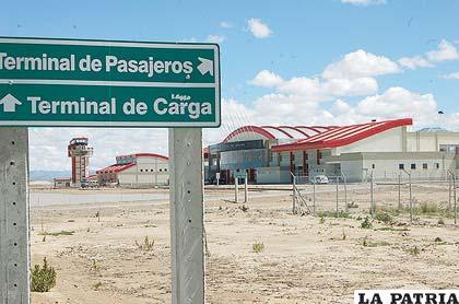 Morales anuncia que entregará iluminación de aeropuerto en febrero