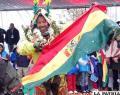 Walter Nosiglia recibi? una montera y la tricolor boliviana