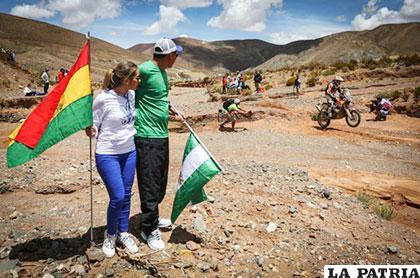 Muchos bolivianos se fueron hasta Jujuy para observar el Dakar /DAKAR.COM