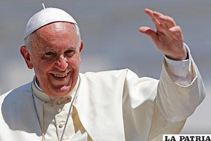 El Papa rifará por buena causa, algunos de los regalos que recibió /mundotkm.com