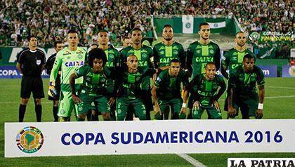 El equipo de Chapecoense que pereció en el accidente aéreo /elmundo.sv/Archivo