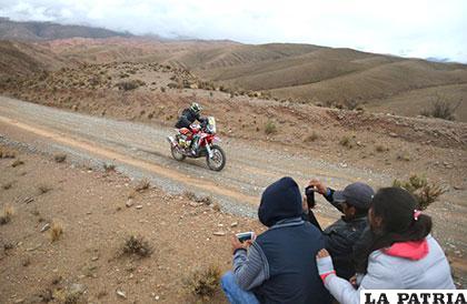 El francés Michael Metge durante la quinta etapa entre Tupiza y Oruro