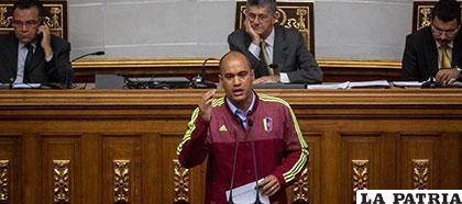 Héctor Rodríguez, jefe de la bancada oficialista del Parlamento venezolano /elperiodicodemexico.com