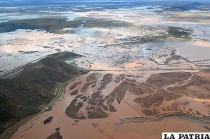El lago Uru Uru recibe agua de lluvias y existe esperanza en recuperar los humedales afectados por la sequía /MARCELO MIRALLES IPORRE