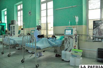 El Servicio de Hemodiálisis contará con los insumos necesarios durante esta gestión /LA PATRIA