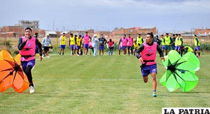 Iván Vidaurre y Gerardo Yecerotte, durante el entrenamiento de ayer