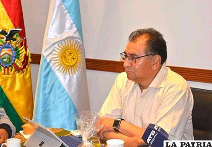 Santos Tito, embajador de Bolivia en Argentina, habla del nuevo decreto de Macri /ELTRIBUNO.INFO