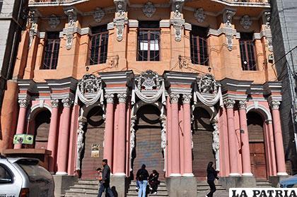 El Palais Concert es uno de los edificios que la UTO propone hacerse cargo /Archivo