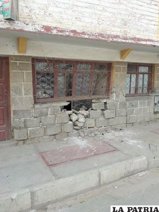 La casa quedó con serios daños en su estructura