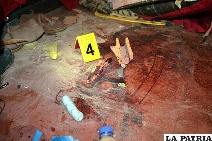 La escena del crimen teñida de sangre