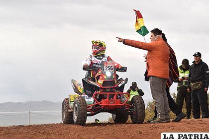 Nosiglia, primer boliviano en completar séptima etapa de Rally Dakar