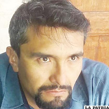Milton nació en  Oruro en 1980