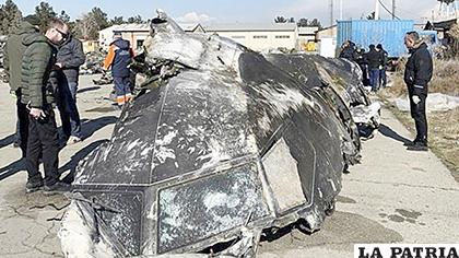 Parte del avión derribado en Ucrania /EFE