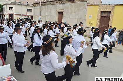Recorridos se apoderaron de las calles de Oruro /LA PATRIA