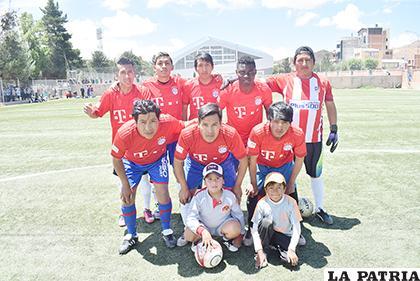El plantel de Central Caquena es uno de los participantes del torneo/Reynaldo Bellota /LA PATRIA