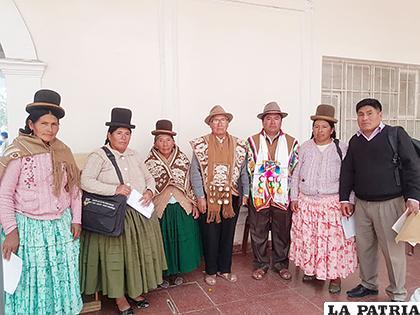 Autoridades originarias y municipales de Choquecota /LA PATRIA