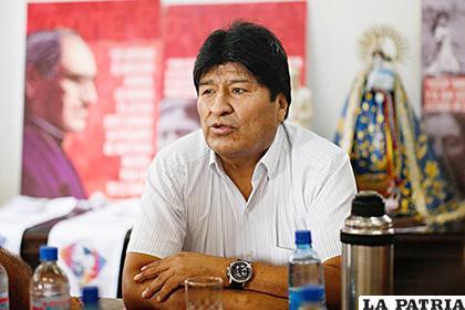 El líder del Movimiento al Socialismo (MAS) aterrizó el 12 de diciembre en la capital argentina /LA PRENSA LATINA