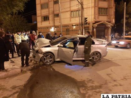 Personal de Tránsito inició la investigación del accidente  /LA PATRIA