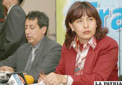 Ministra Suxo realiza la denuncia respecto a Lonabol