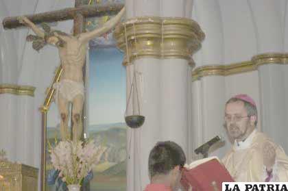 Monseñor Bialasik pide paz y unidad para Bolivia, además que se dejen odios y rencores atrás