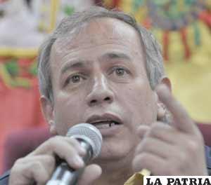 El presidente de la CNE, Antonio Costas