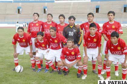 El elenco de Pagador participó en el interbarrios de fútbol que organiza la prensa deportiva
