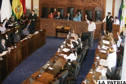 Senado aprobó ascenso de a generales pese a las denuncias de