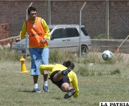 Herrera será consignado en el equipo titular